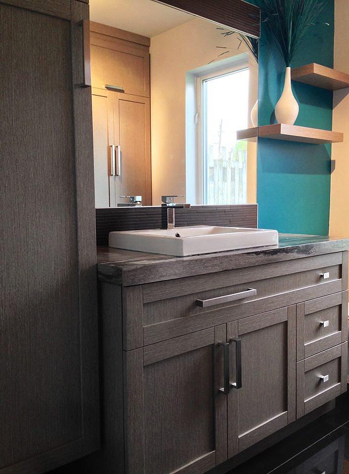 Salle de bain contemporaine   Gagné Cuisine et Mobilier par ...